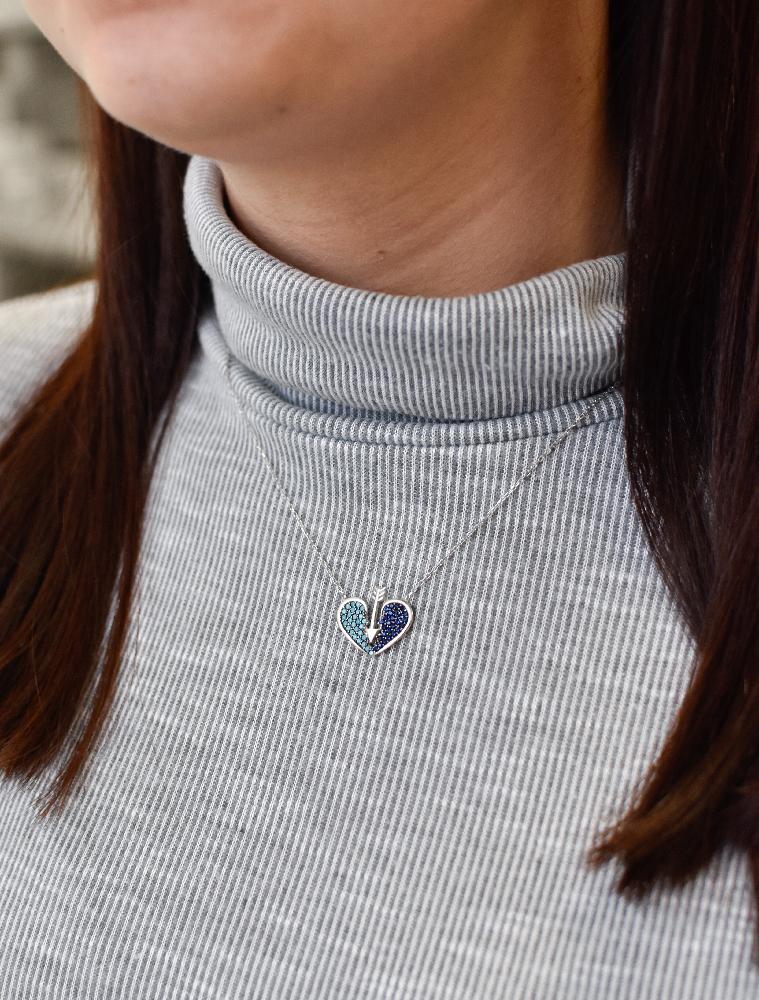 Stříbrný náhrdelník s krystaly modré srdce 72019
